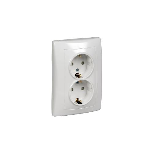 Schneider Electric Sedna 2x2P+F csatlakozóaljzat, (GYV) biztonsági zsalus fehér SDN3000421